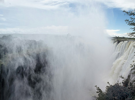 01_World-by-FotoIN_Victoria-Falls,-Zambia_HCH_2014-03-01_1393675387000